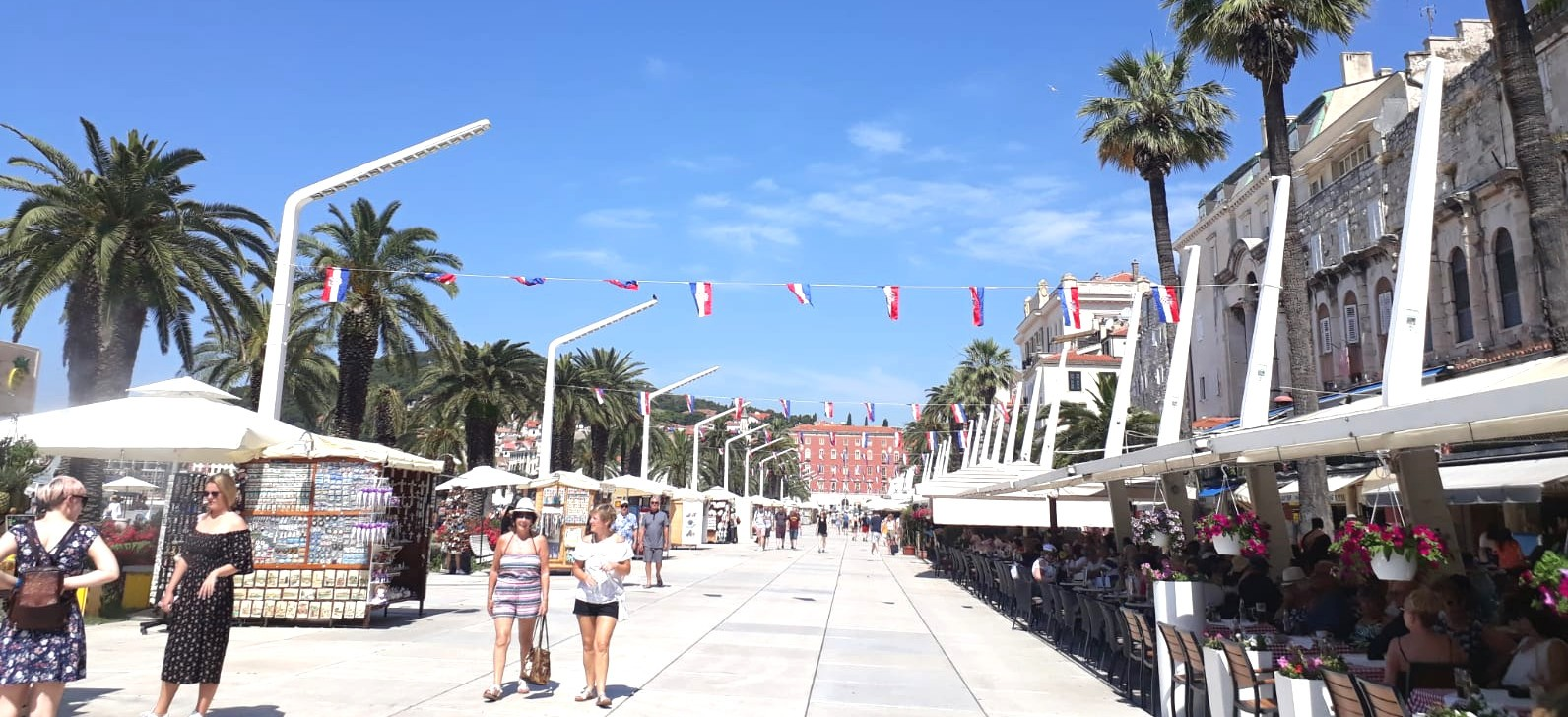Riva is the main place in Split for relaxation, walking, drinking coffee.